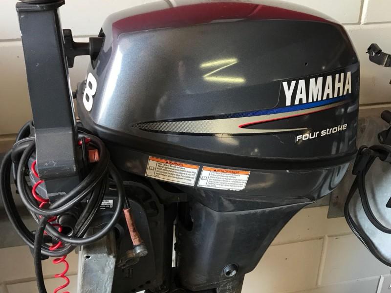 yamaha 9,9pk 8pk sticker voorzijkant